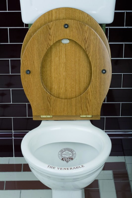 Thomas Crapper Oval WC Seat